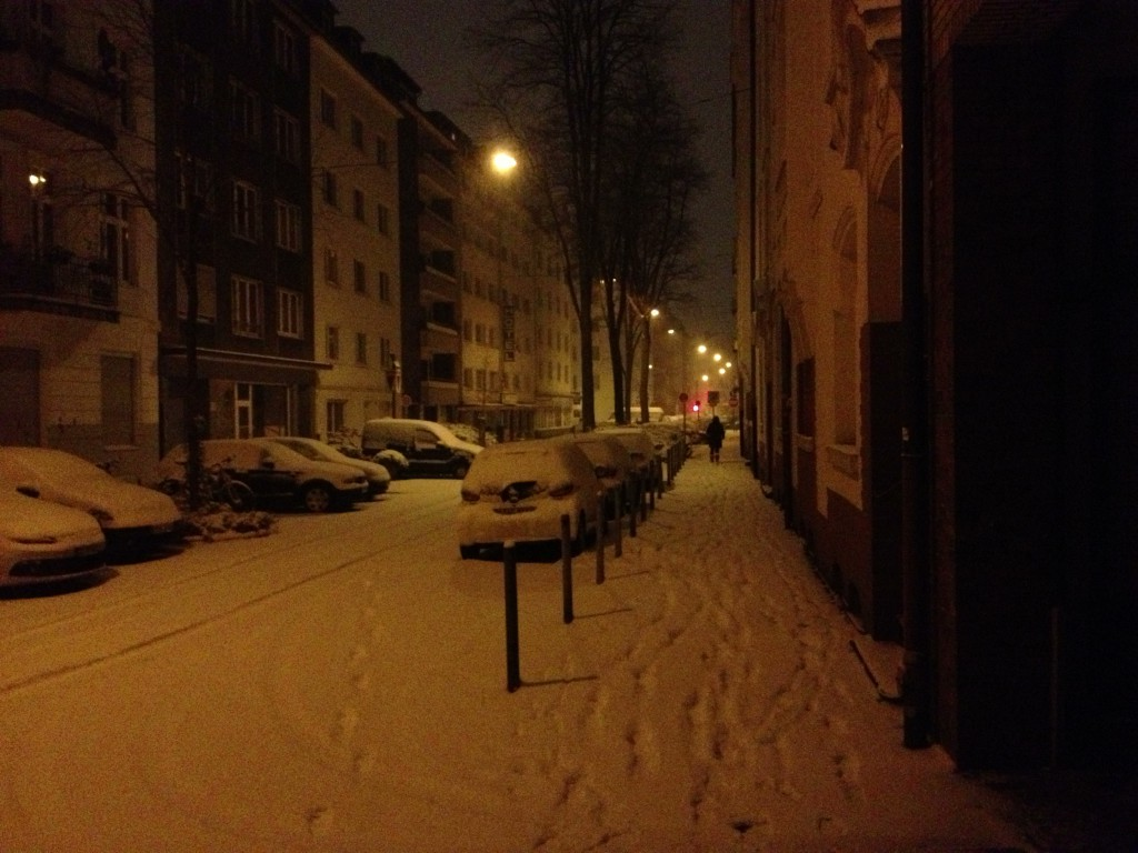 Snowy night in Düsseldorf